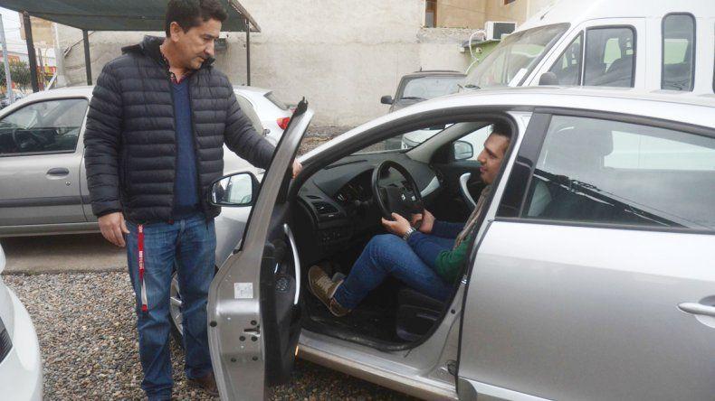 Los compradores de coches usados fatigan las calles más que antes. Antes