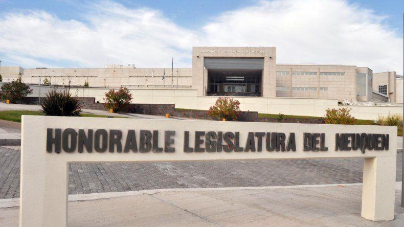 La Legislatura provincial ya tiene el acuerdo suscripto por Neuquén.