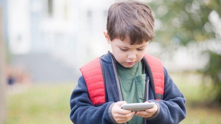 ¿Cuál es la edad indicada para que los chicos tengan su celular?