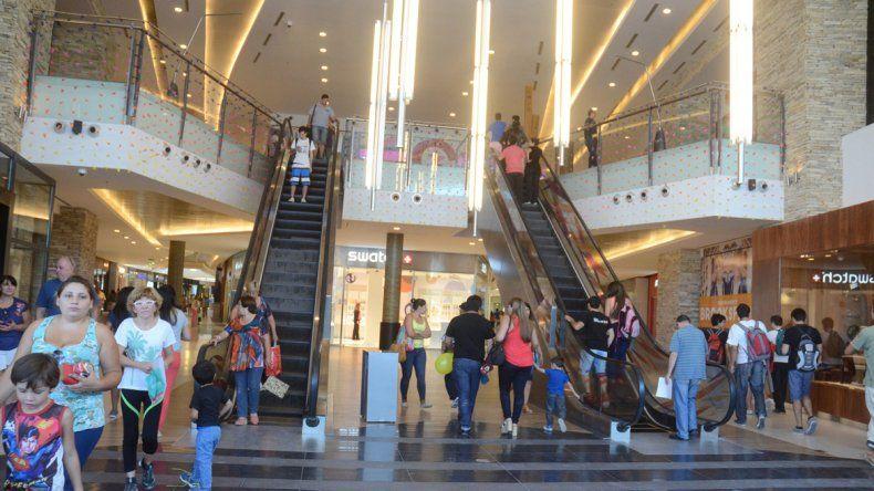 Los paseos de compras son una gran atracción para los turistas.
