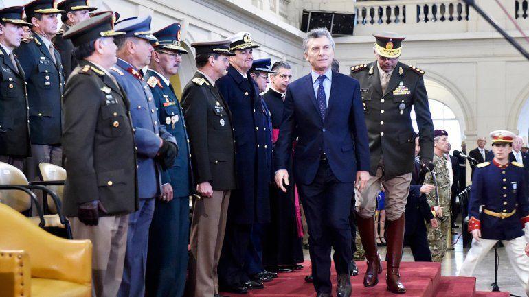 El Presidente participó ayer del acto por el Día del Ejército.