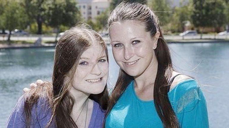 Rebecca y Courtney Grimshaw dicen que ahora están recuperadas.