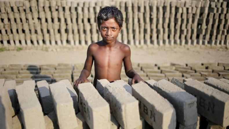 La India y China son los países con mayor cantidad de gente que vive actualmente bajo alguna forma de esclavitud moderna.