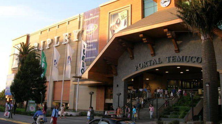 Muchos de los grupos que viajan ocasionalmente a comprar a Temuco se organizan a través de Facebook.