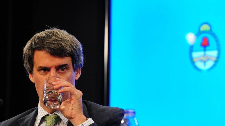 Prat-Gay había comunicado que el aguinaldo iba a pagar Ganancias.