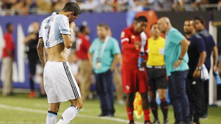 Ángel Di Maríasufrió una lesión muscular antePanamá