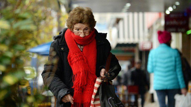 Mucho abrigo. Mañana vuelven las bajas temperaturas.