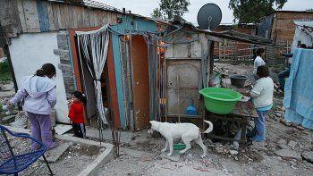 Los especialistas alertan que la pobreza nueva pase a estructural.