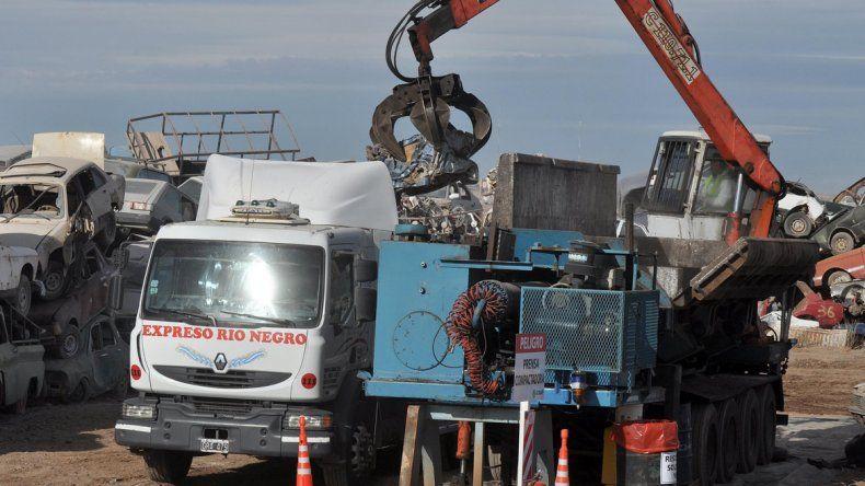 La máquina reciclará varios centenares de vehículos