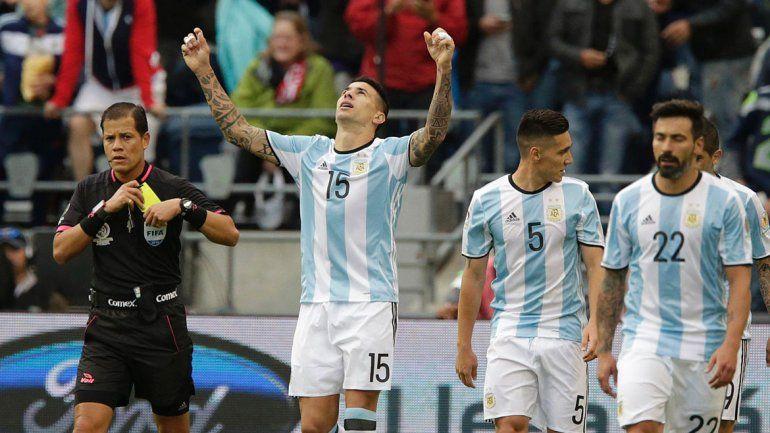 Cuesta hizo su debut con la albiceleste y encima se anotó en la red.