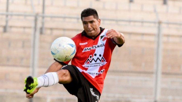 Víctor Benítez es un defensor de experiencia y capitán en Maipú.