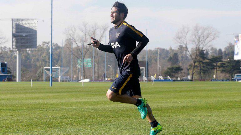 Lodeiro llegó a la madrugada y fue parte de la práctica de fútbol.
