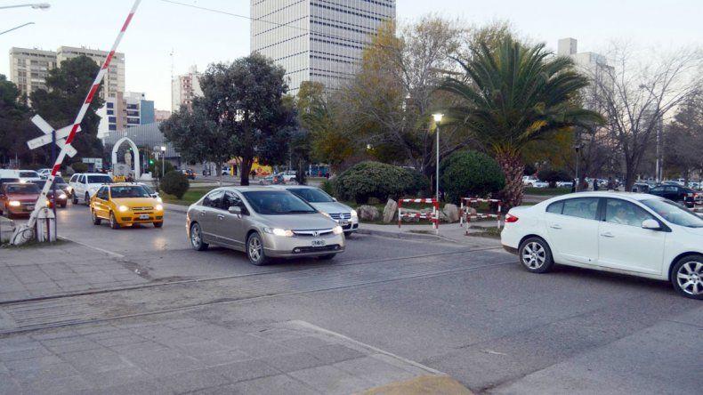 En Avenida Olascoaga y las vías dejaron tirado al hombre