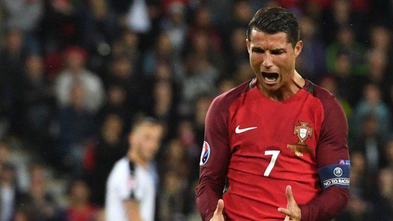 Cristiano falló y Portugal se complica.