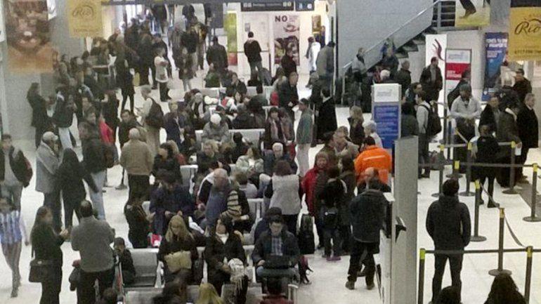 Se normaliza la situación y los pasajeros comienzan a embarcar
