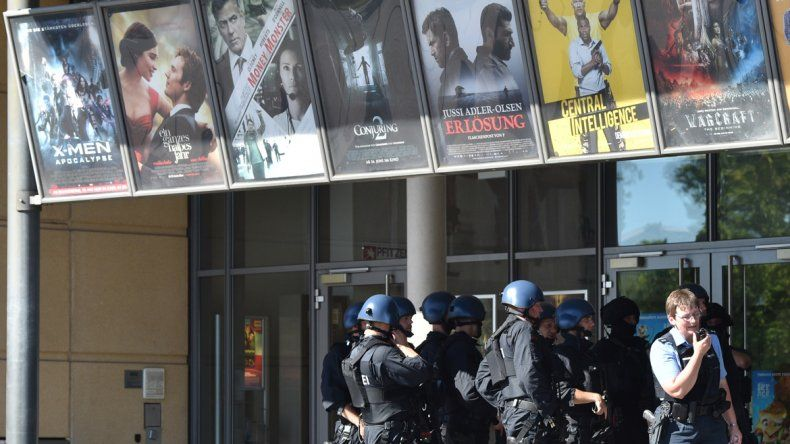 Un hombre entró y desató el fuego dentro de un cine en Alemania