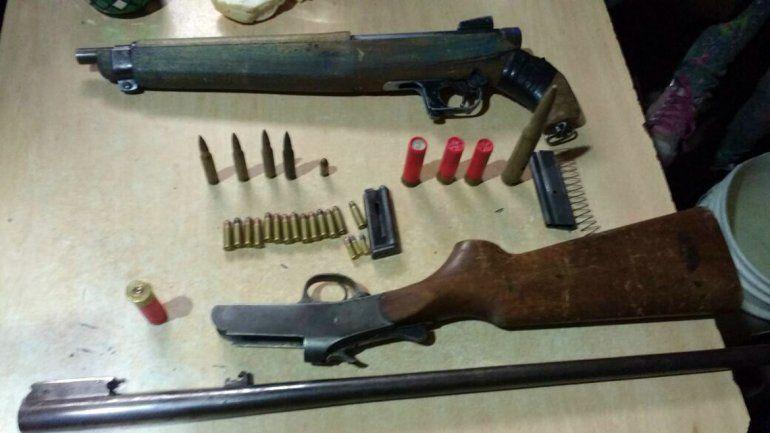 Dos detenidos tras siete allanamientos: la Policía secuestró armas y elementos robados