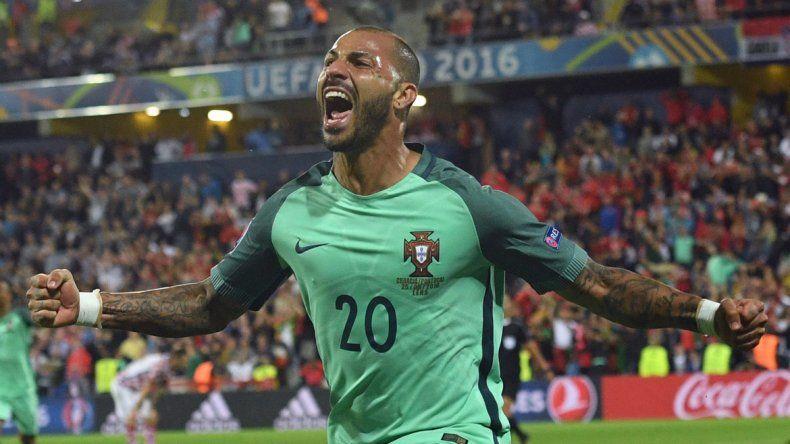 El veterano Quaresma convirtió el agónico gol que le dio la victoria a Portugal.