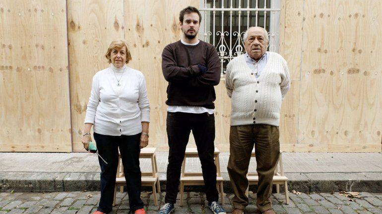 Fito Páez y Andy Kusnetzoff son otros de los famosos que los usan. Las cajas de mis zapatos ahora tienen la cara de mis abuelos