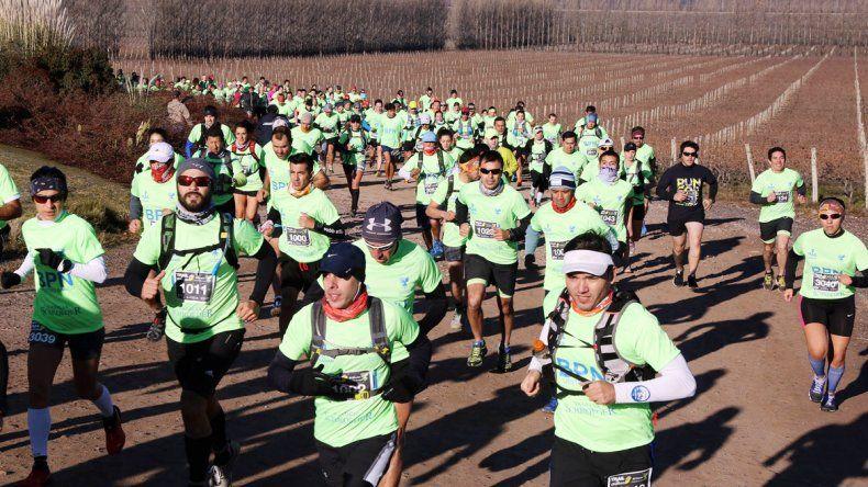 Más de 300 atletas participaron de la prueba que combinó terrenos duros