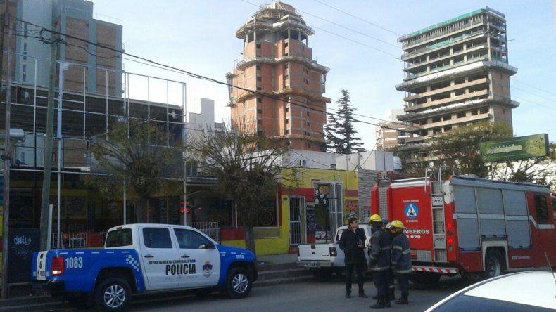 Un obrero recibió una descarga eléctrica en Buenos Aires e Islas Malvinas.