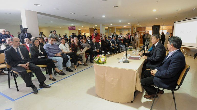 Figueroa presentó el programa La Legislatura, la Casa de Todos