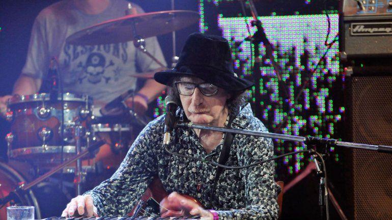 El baterista Fernando Samalea mostró imágenes del músico tocando en estudio
