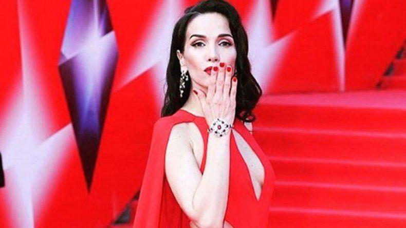 Natalia Oreiro se luce y causa furor en el público ruso.