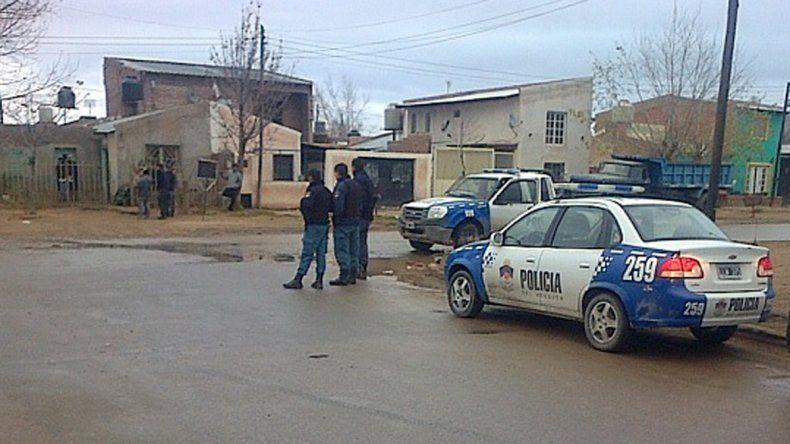 Una pelea entre bandas terminó a los balazos y con varias casas apedreadas
