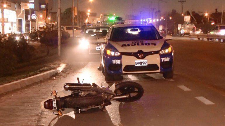La Honda Twister 250 cc quedó tirada sobre el asfalto de la Ruta 22.