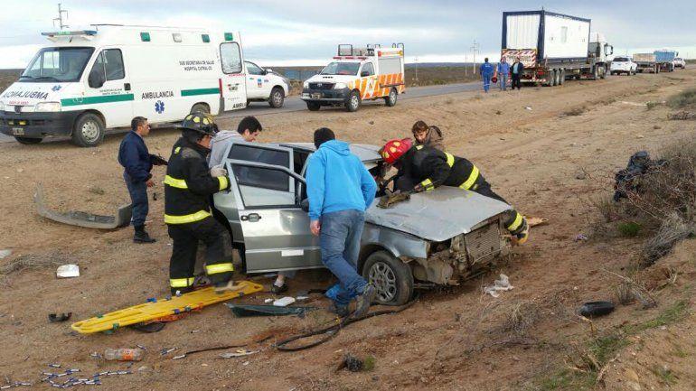 Un muerto y un herido grave en un tremendo choque en la Ruta 22 cerca de Plaza Huincul