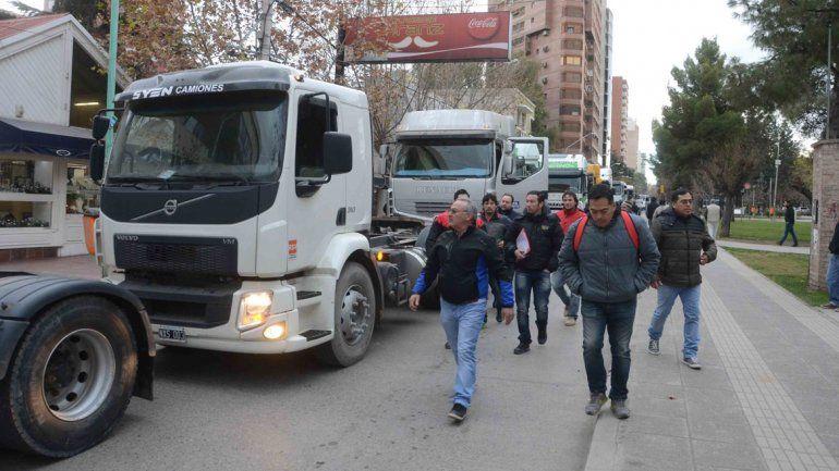Camioneros y estudiantes se manifestaron ayer por el centro.