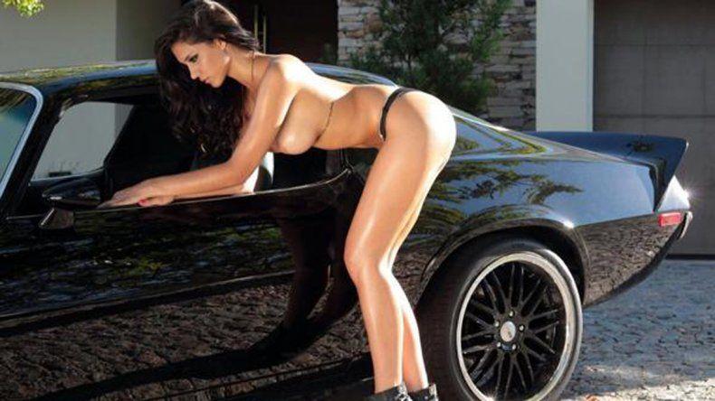 Un fierro. Antonella posando para la revista Hombre.