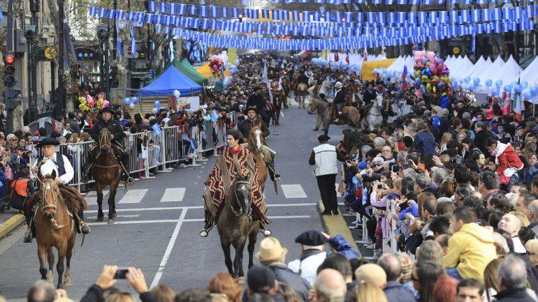 Multitudinario festival sobre la Avenida de Mayo