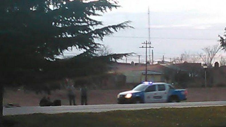Se peleó con los amigos en Cutral Co, les sacó el auto, perdió el control y volcó camino a Zapala