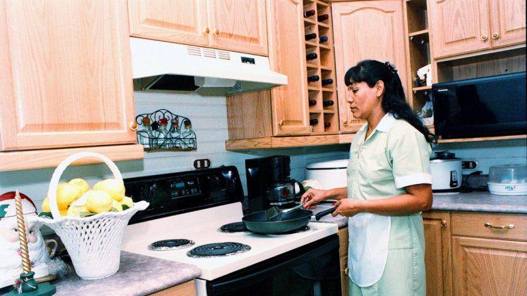 Las domésticas en blanco percibirán un 33% de aumento en 2016.