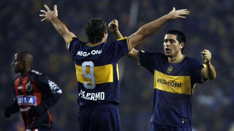 Palermo y Riquelme fueron claves con Cúcuta en 2007. Carlitos se despidió con un título contra Bolívar en 2004.