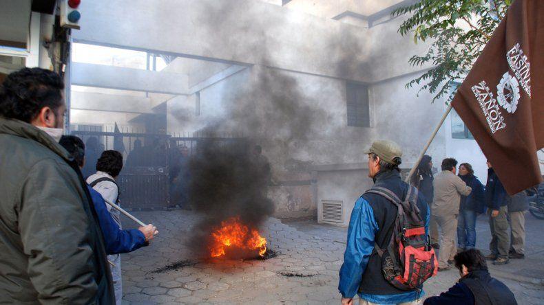 Los ceramistas postergaron la movilización para el próximo martes a Casa de Gobierno