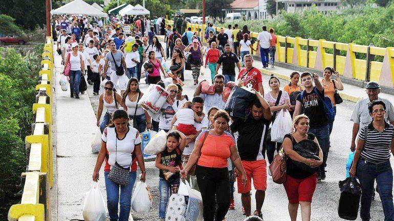 Miles de venezolanos fueron a Colombia el sábado y domingo.