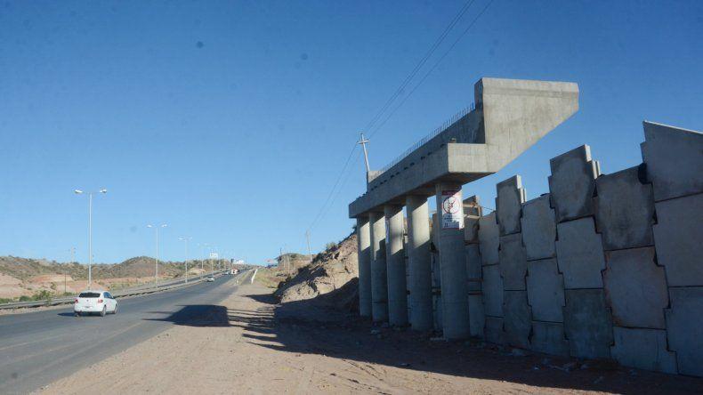 El ministro Dietrich confirmó el 6 de diciembre como fecha de inauguración del tercer puente y prometió que no habrá nuevas demoras.
