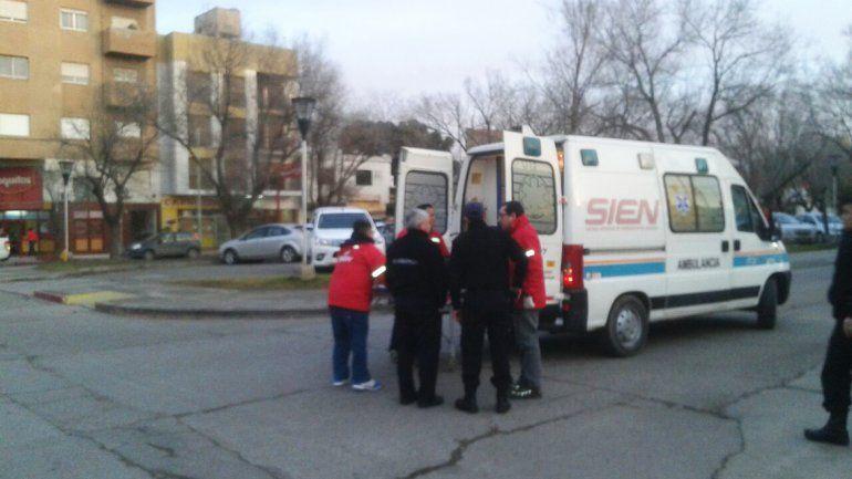 Un motociclista herido tras chocar con una camioneta