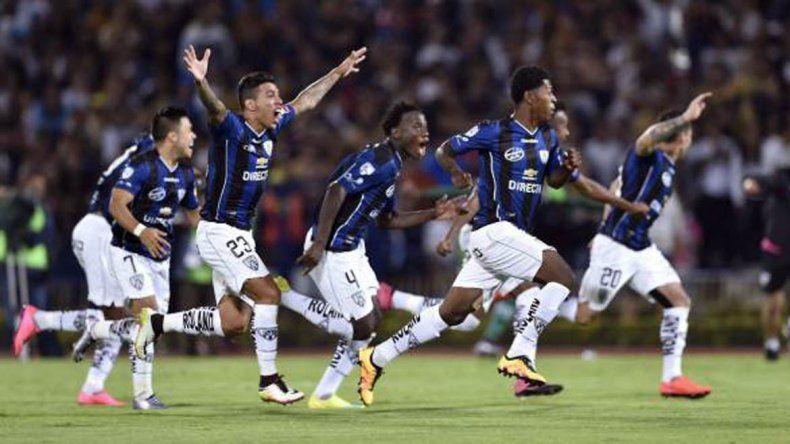 Independiente del Valle recibe a Nacional en la primera final