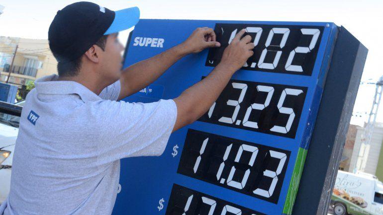Congelaron el precio de la nafta y gasoil por tres meses