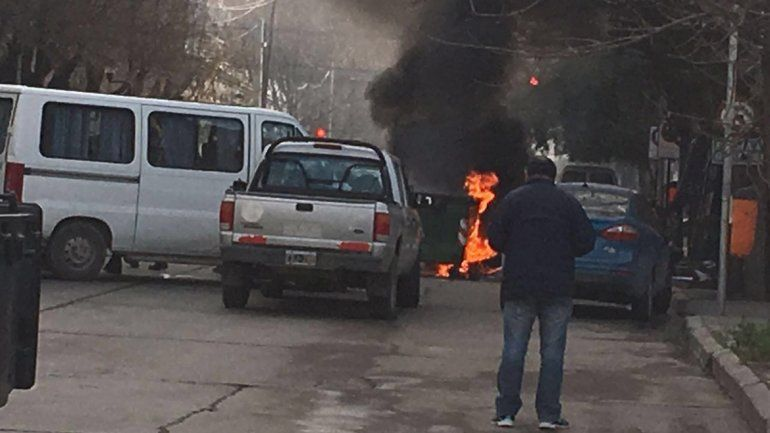 No es la primera vez que queman los contenedores de Cliba en el centro.