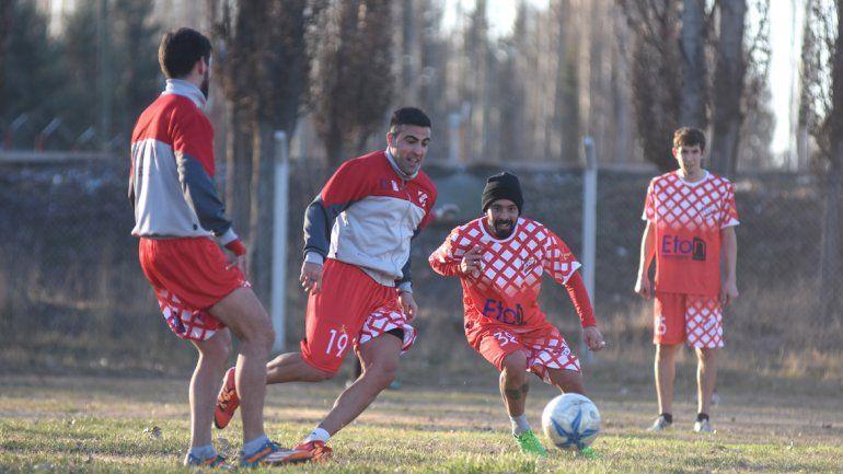 El defensor de Independiente palpita el arranque del certamen.