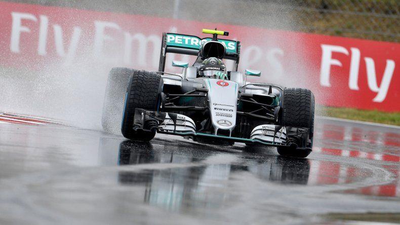 El alemán Nico Rosberg logró la cuarta pole de la temporada.
