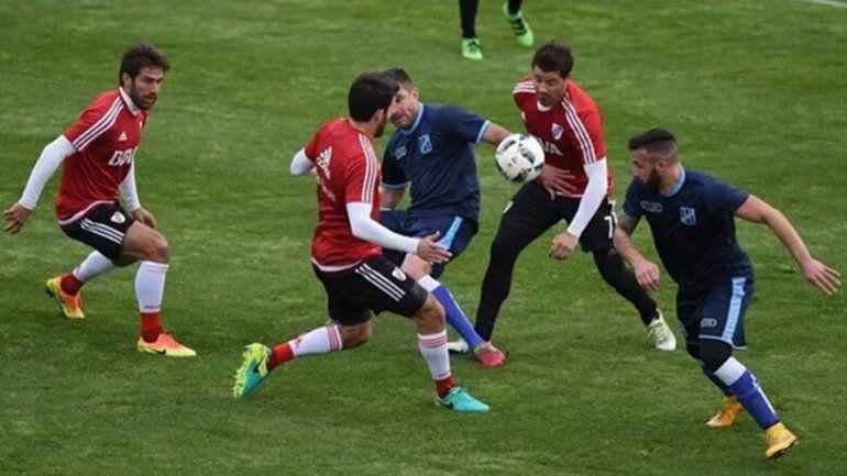 El Millonario venció 2 a 0 a San Telmo en un amistoso.