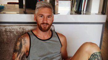 Messi se tiñó el pelo de plateado y Antonella lo escrachó en Instagram