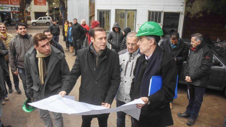 El gobernador visitó ayer las obras de ampliación de la Escuela de Música de Neuquén.