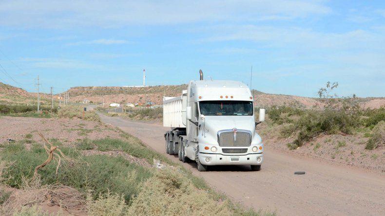 Transportistas exigen que se cumpla la ley del Compre Neuquino